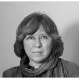 Svetlana Alexijevič (1948)
